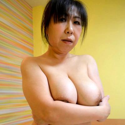中川多恵 48歳 垂れ爆乳&三段腹のエロ豊満熟女「これが熟女の悩殺ボディ!」C0930