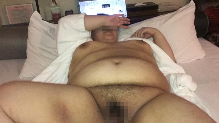 巨漢ブス 東府中で会った23歳 垂れ超乳はエログロ! 無許可ゴム外しで半中出し!!