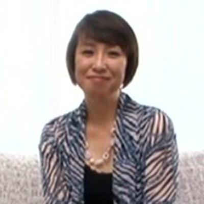 魚住恵利45歳 貧乳黒乳首の美熟女『初撮り人妻ドキュメント』でAVデビュー