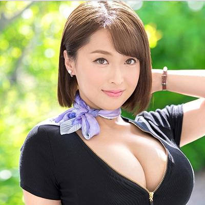 篠崎かんな32歳 元国際線キャビンアテンダントの爆乳美人妻がAVデビュー!!『ムッチムチGカップ×超肉感神尻』