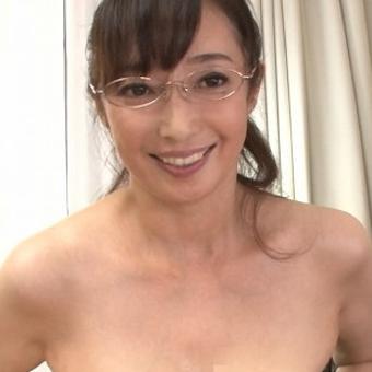 音羽文子57歳 元CAの高身長美熟女のデビュー作!! 『初撮り五十路妻ドキュメント』