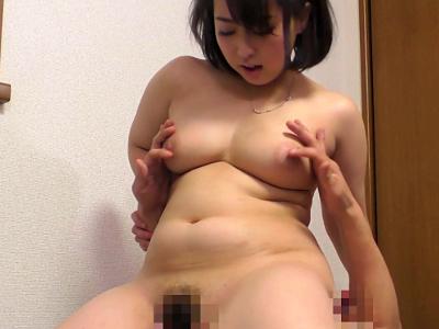 篠崎かんな25歳 美巨乳美女姉が弟と近親相姦!!『豊満な姉は肉厚なカラダで僕をイヤしてくれる』