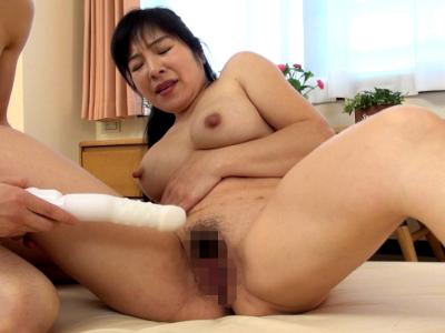 和久井智美50歳 デカ乳首の豊満美熟女 『熟蜜のヒミツ』