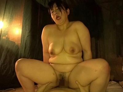 香川彩香 Iカップヤリマン豊満熟女『素人わけあり熟女生中出し あやか51歳』
